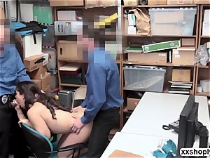 Shoplifter Ziggy star gets pulverize by 2 pervy LP officer