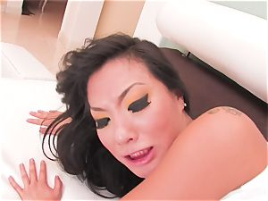 super-sexy Asa Akira drinks his spunk
