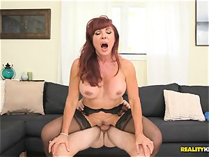 beautiful Vanessa getting her elder cunny ravaged