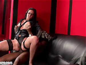 multiracial three ways with insatiable mature cougar Emma butt