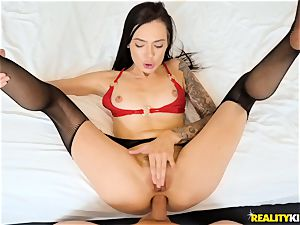 Marley Brinx poked in her bung