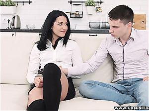 girlfriend gets cummed on after lunch break