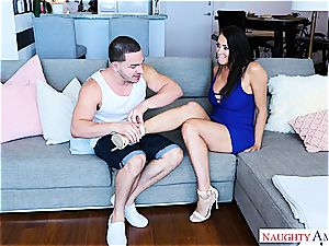steamy milf Reagan Foxx tears up a super-steamy young stud