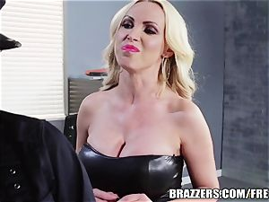 Brazzers - Rampant lezzy cops go at it