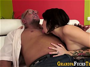nubile gets jizm from oldy