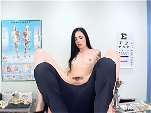 Marley Brinx gets her coochie deeply investigated at the doctors