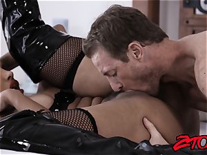 sub cougar Mercedes Carrera jammed with yam-sized shaft