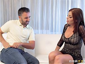 brunette Britney Amber gets an unexpected fuckpole cramming