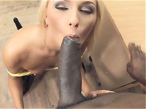 Deep boning Sn 4 super hot blond getting her donk boinked