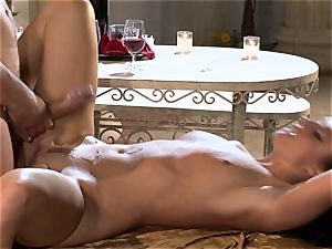 India Summers India Summers is enjoying the thick penis pleasuring her super-hot pussy har