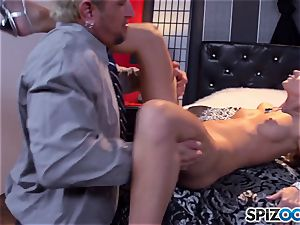 Jessa Rhodes appetizing cock-squeezing vag is screwed by a massive spunk-pump