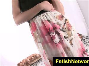 FetishNetwork Natalie Heart stretch gams