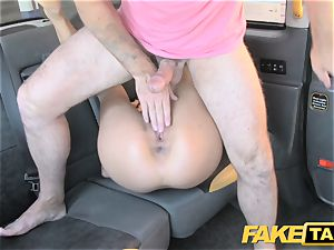 faux taxi John makes men girlfriend dump and blows a load on her face