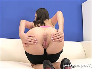 Teeny tart Silvia Luca wants to tease her cooter
