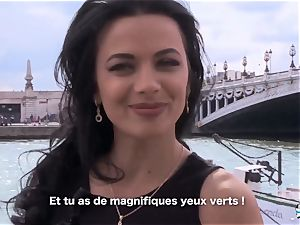LA COCHONNE Romanian stunner enjoys deep prompt ass-fuck