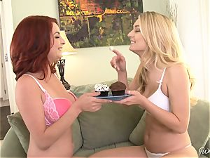 Cupcake beauties Natalia Starr and Ashley Graham