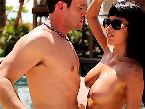 Anissa Kate undress her bathing suit to nail poolside